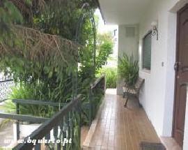 Alugo Apartamento T3 mobilado perto Escola Cristina Torres