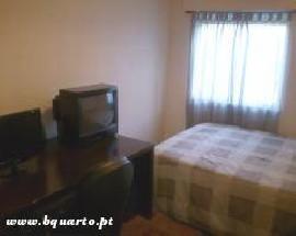 Alugo quarto com serventia da casa internet tvcabo Setubal