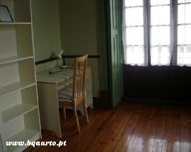 Quartos mobilados de qualidade em Coimbra centro