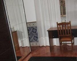 Arrendo quarto com cama casal em Loures