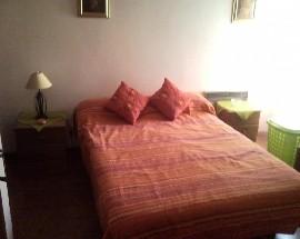 Arrenda se um quarto mobilado na zona do Monte do Indio
