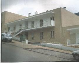 Quarto mobilado num apartamento em Santo Antonio Olivais
