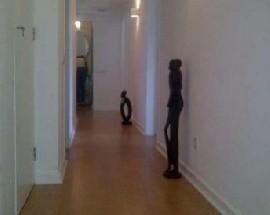 Divido apartamento no Restelo totalmente remodelado