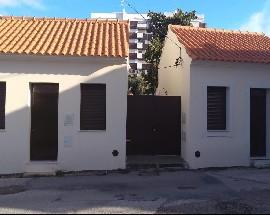 Casas remodeladas no bairro Norton de Matos