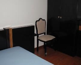 Alugo quarto no centro de Braganca