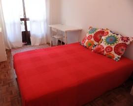 Arrendo quartos na Av Marques de Pombal em Leiria