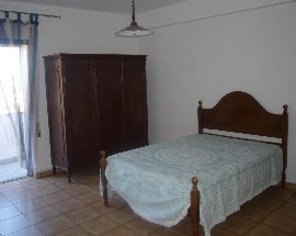 Alugo quarto perto da UBI junto ao Polo IV