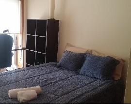 Quarto espacoso em apartamento moderno e confortavel
