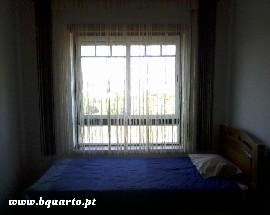 Quarto em apartamento Sao Domingos fonte luminosa Santarem