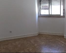 Apartamento com 2 assoalhadas Moscavide Lisboa