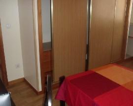 Alugo quartos individuais junto ao Polo Universitario