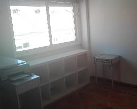 Alugo quarto num apartamento T2 em Lisboa Olaias