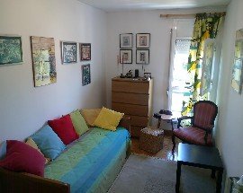 Alugo quarto mobilado nos Olivais