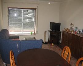 Alugo apartamento ou quartos individuais em Almada