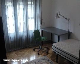 Arrendo quartos num T4 em Santa Clara Coimbra