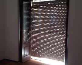 Quarto com varanda + escritorio em Lisboa
