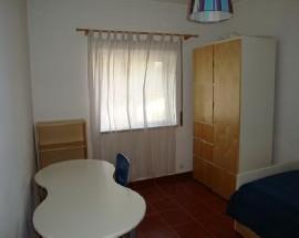 Arrendo 1 quarto a mulher 150 Euros em Evora