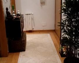 Quarto num apartamento totalmente mobilado e equipado