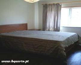 Alugo quartos de casal ou individuais em Benfica