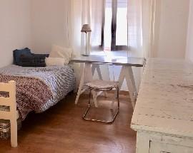 Alugo quarto no centro de Lisboa a 5 min Universidade Nova