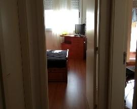 Alugo quarto em Loures