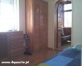 Quarto para alugar na Rua do Campo Alegre