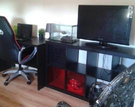 Alugo quarto em casa terrea com net TV agua luz incluido