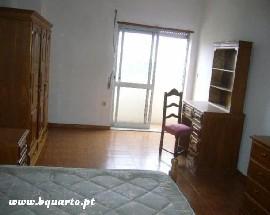 Alugo apartamento com 4 quartos mobilados em Vila Real