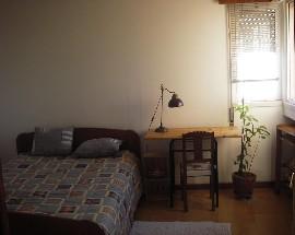 Alugo quarto para estudantes em Loures