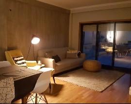 Quarto apartamento com piscina e terraco a 2km da Praia