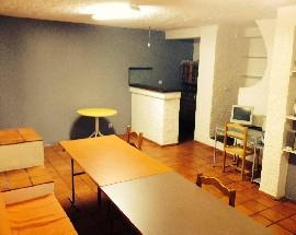 Apartamento com 2 suites e 2 quartos que partilham wc