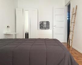 Quarto em apartamento renovado Lisboa Campolide