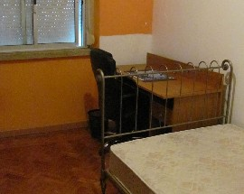 Alugo Quarto mobilado para alugar a rapariga em Lisboa