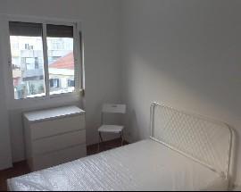Arrendo apartamento para 2 pessoas na Amadora