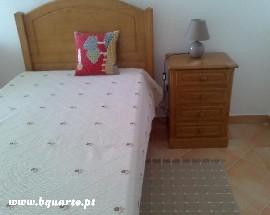 Alugo quarto com casa de banho privativa em Faro