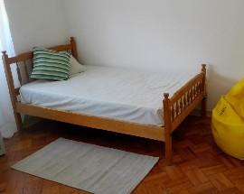 Arrendo quarto a rapariga perto da FEUC Coimbra