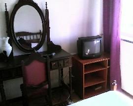 Alugo quarto individual mobilado em Leiria