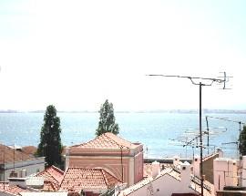 Alugo quarto em Alfama vista rio