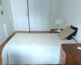 Arrendo quarto individual com casa banho privativa no Porto