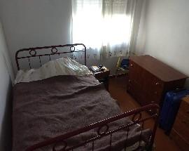 Alugo quarto num T2 em Setubal