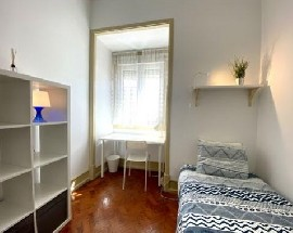 Single room for students Alameda metro station IST