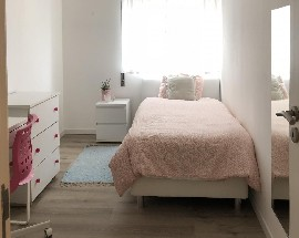 Bedroom for girls near the Shopping Center Glicinia
