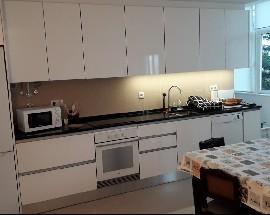 Quartos em apartamento remodelado a estrear