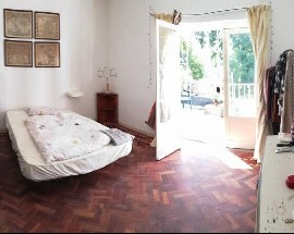Huge Room to rent next to Carcavelos Beach