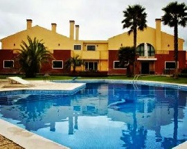 Rooms to rent in a luxury house in Estoril