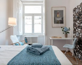 Lisboa Baixa modern rooms with private wc July August