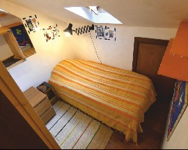 One room in center of Lisbon available