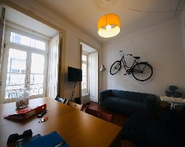 Room to rent in a very nice apartment in Lisbon